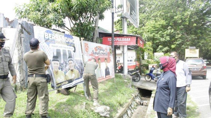 Bawaslu Tertibkan APK Paslon di 3 Daerah Pemilihan Pilkada Bangka Barat