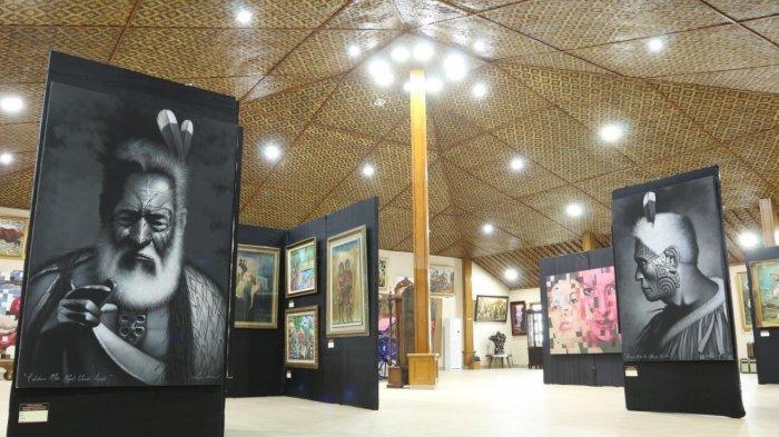 De'locomotief Tongaci Beach Siapkan 100 Lukisan di Bazar Art
