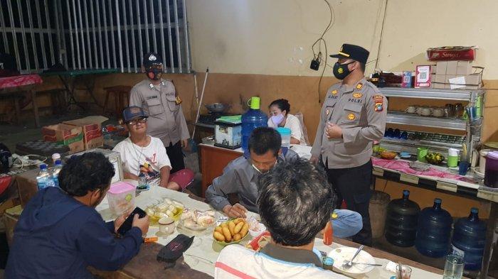 Pengunjung Kafe dan Warkop di Muntok Membandel Tak Pakai Masker Ditegur hingga Push Up