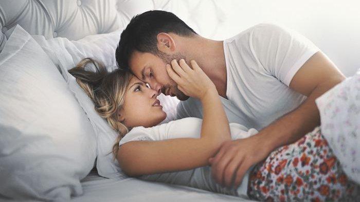 5 Posisi Bercinta agar Perempuan Raih Kepuasan, WOT hingga Sideways Straddle