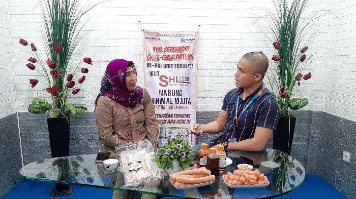 Owner Pempek Udang Ak Sun, Sundari saat Bincang Mitra Bina BRI bersama host Edy Yusmanto, Kamis (5/10/2020