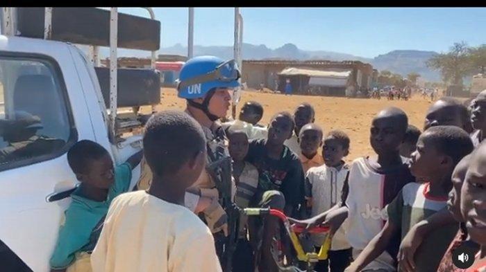 Video Anggota Pasukan PBB di Sudan Ajarkan Anak-anak Mengaji Viral, Ternyata Polisi Asal Polda Ini