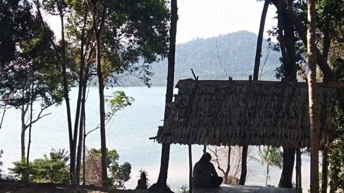 Destinasi wisata Desa Sungai Buluh Kecamatan Jebus Kabupaten Bangka Barat, Bukit Telaga Tujuh