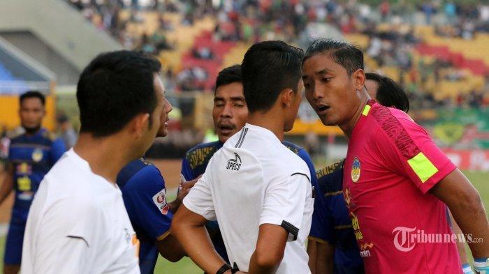 PENALTI Kontroversi Sriwijaya FC Berbuntut Panjang, PSIM Minta Satgas Anti Mafia Bola Bertindak