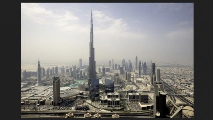 Saking Tingginya Burj Khalifa Punya 3 Zona Waktu Puasa