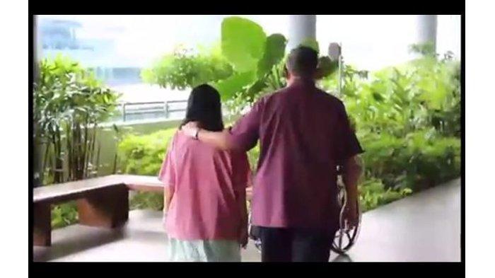 Video Ani Yudhoyono Hirup Udara Luar Bersama SBY Beredar, Sang Menantu Mohon Doa di Akhir Ramadan
