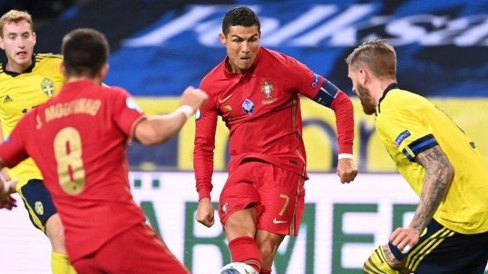 Cristiano Ronaldo mencetak gol keduanya dalam laga Swedia vs Portugal di ajang UEFA Nations League pada 8 September 2020 di Solna, Swedia.