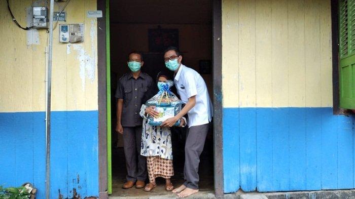 RSMS Bagikan 200 Bingkisan Lebaran untuk Kaum Dhuafa