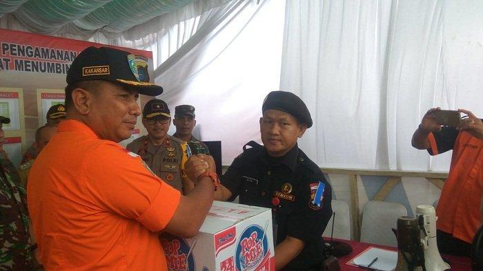Basarnas Bangka Belitung Berikan Sembako Pada Petugas Pospam