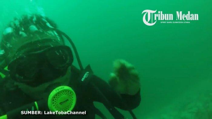 Video Detik-detik Penyelam Rekam Kondisi Dasar Danau Toba
