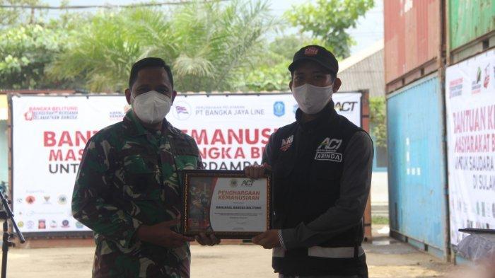 Danlanal Bangka Belitung dan Bupati Bangka Terima Piagam Penghargaan Kemanusiaan dari MRI-ACT