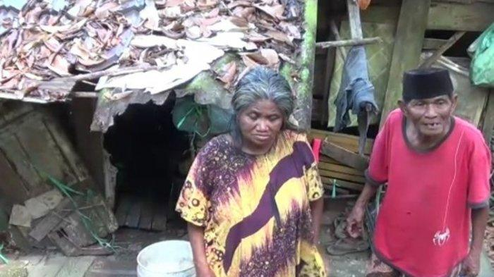 Pilu Kisah Pasangan Lansia Tinggal di Bekas Kandang Ayam Penuh Sampah Tanpa Listrik Selama 17 Tahun