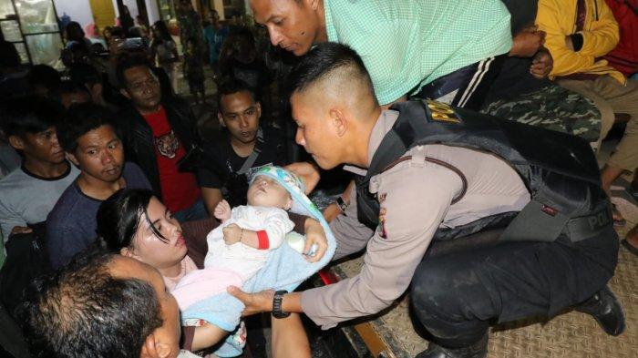 Buntut Penusukan Warga Batu Belubang, Warga Selapan Mengungsi, Bayi 9 Bulan Ikut Diungsikan