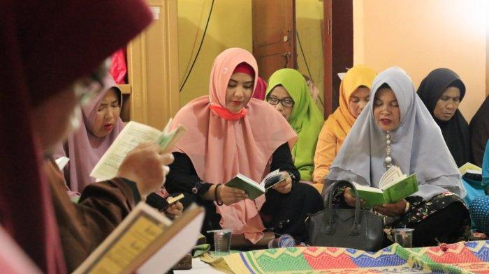 Peduli Warga Kecil, Emak-emak Toboali Siap Dukung Debby Jamro 100 Persen