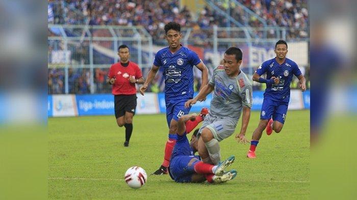 Persib Bandung Pecahkan Rekor 11 Tahun di Markas Arema Malang