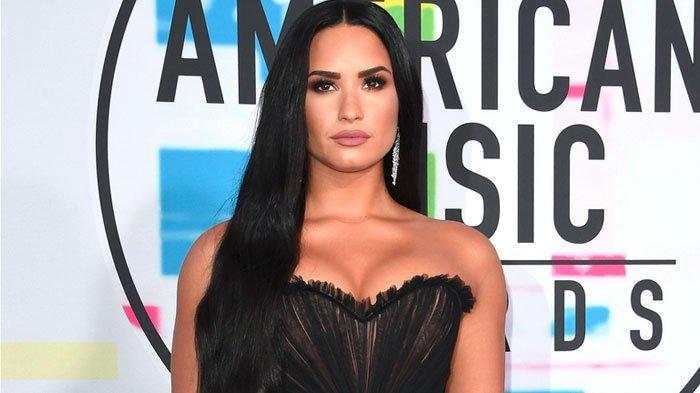 Penyanyi Pop Demi Lovato Dilarikan ke Rumah Sakit Akibat Overdosis, Begini Kondisinya Sekarang
