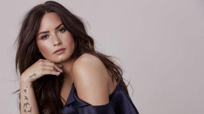 Sebelum Dikabarkan Overdosis, Demi Lovato Masih Manggung, Sempat Menangis hingga Lupa Lirik