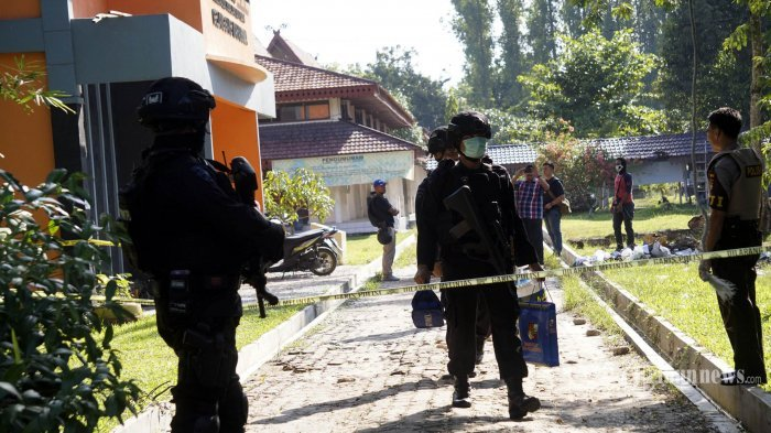 DUEL MAUT Anggota Densus 88 Vs Terduga Teroris di Jalanan hingga Kejar-kejaran dan Ditusuk 6 Kali