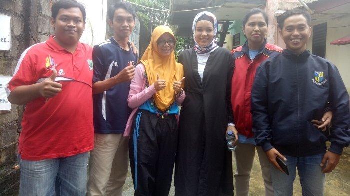 Dewi Sandra Siarkan Langsung Bencana Banjir di Belitung