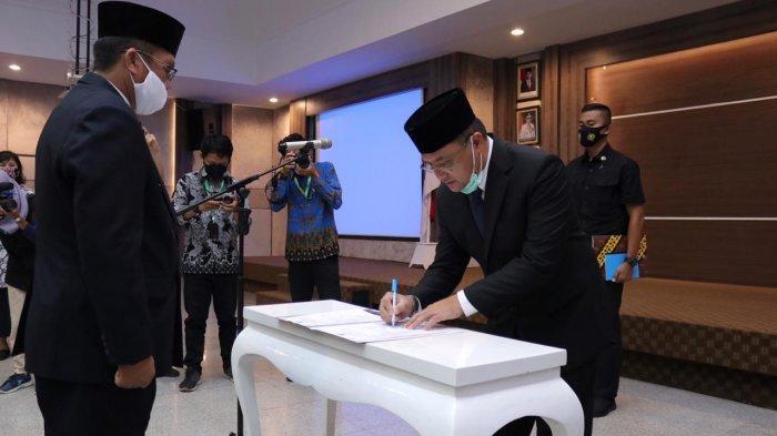 Gubernur Erzaldi Melantik Pimpinan Baznas Provinsi Kepulauan Bangka Belitung