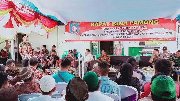 Bina Pamong di Desa Berang, Bupati Markus Sebut Pendidikan dan Kesehatan Warga Jadi Prioritas - diskominfobabar4.jpg