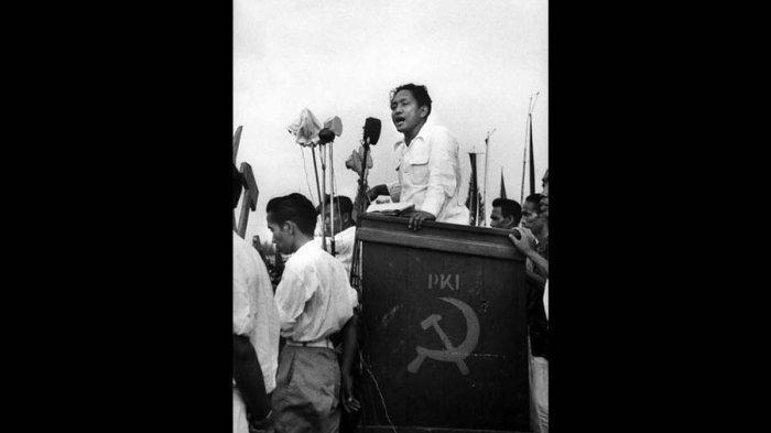 Pergi Tanpa Pesan, DN Aidit Pamit Cium Kening Soetanti, Sempat Ingin Cari Perlindungan ke China