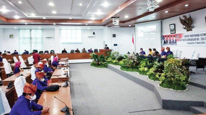 DPRD Bangka Paripurna HUT ke 255 Kota Sungailiat, Dukung Program Pemerintah Pengentasan Covid-19 - dprdbangka28.jpg