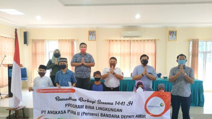 PT Angkasa Pura II (Persero) Bandara Depati Amir berbagi bersama Anak Yatim Piatu