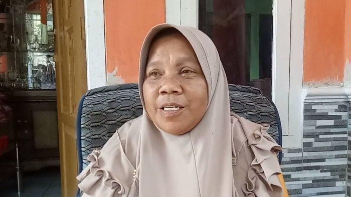 Eha Nuraeti (55) adalah salah satu korban selamat dalam kecelakaan maut bus di Tanjakan Cae, Wado, Sumedang, Rabu (10/3/2021) malam.