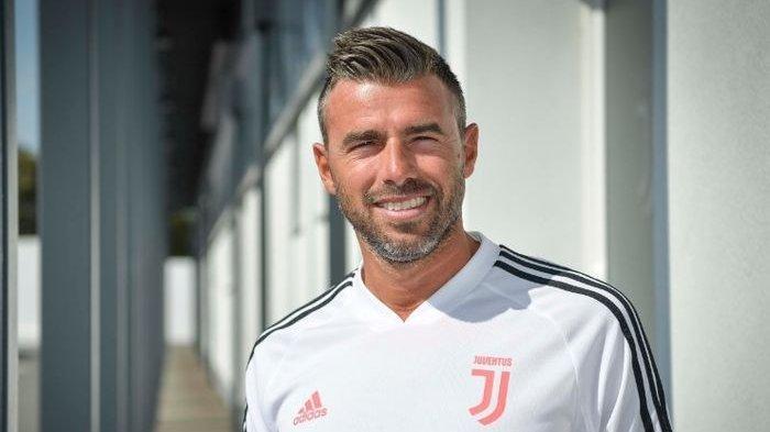 MANTAN Bek Tengah Juventus Mundur dari Staf Kepelatihan, Ini Alasannya