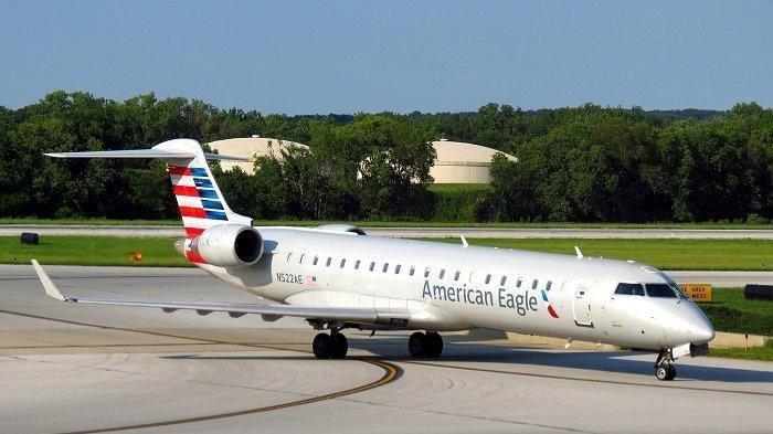 NASIB Mekanik Maskapai American Eagle Tertimpa Mesin Pesawat Envoy Air