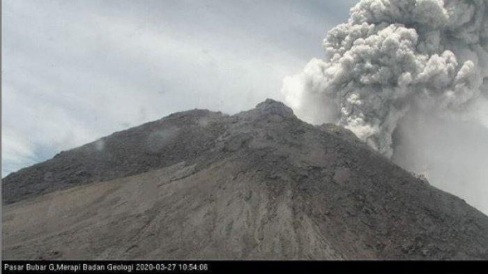 Gunung Merapi Keluarkan Suara Gemuruh, Ini Bahaya yang Mengancam