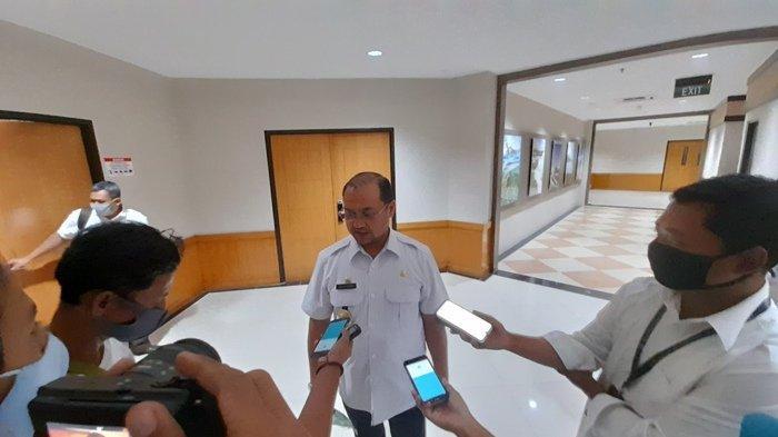 Gubernur Bangka Belitung Hadiri Operasi Pasar Daging Beku dan Sosialisasi Prokes di Pasar Pagi