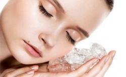Jadi Tren, Ini Manfaat dan Cara Perawatan Wajah dengan Es Batu di Rumah