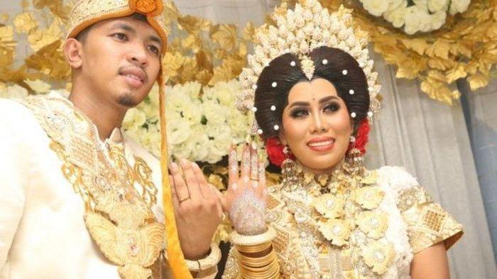 Evi Masamba Sampai Pingsan di Pelaminan, Begini Padatnya Tradisi Pernikahan yang Dijalaninya