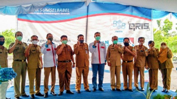 Foto bersama para pejabat di lingkungan Pemkab Bangka Barat dengan pimpinan BSB Cabang Muntok usai sosialisasi.