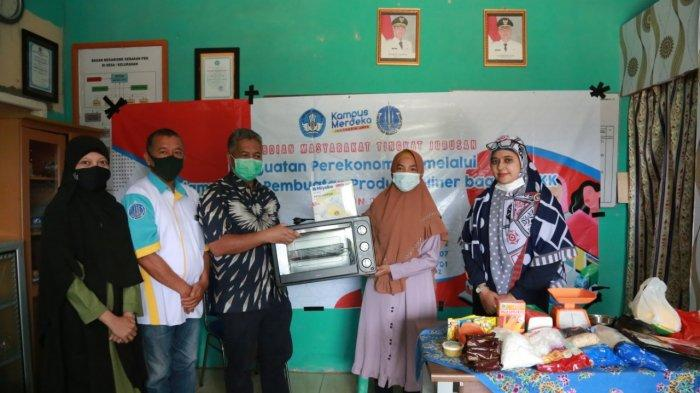 PkM Universitas Bangka Belitung Gelar Pelatihan Pembuatan Produk Kuliner di Jada Bahrin