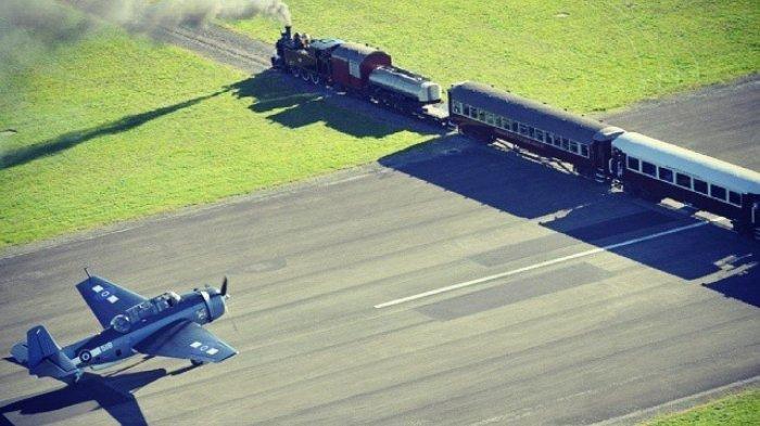 JALUR Kereta Api di Tengah Landasan Pacu Bandara Gisborne Selandia Baru