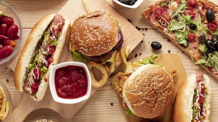 Ilustrasi makanan cepat saji.
