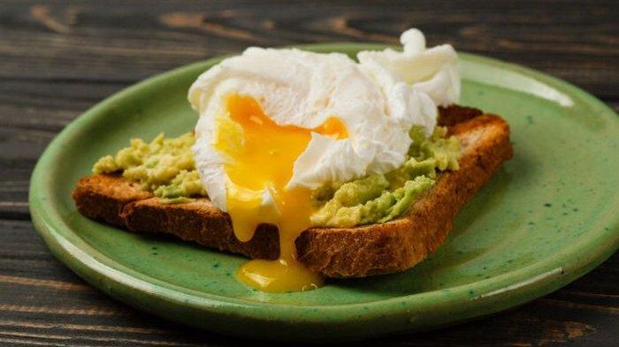 4 Risiko Mengonsumsi Telur Setengah Matang