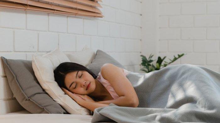 Begini Posisi Tidur yang Tepat Agar Asam Lambung Tak Naik