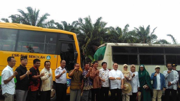 Ada Bus Sekolah,  Anak-Anak Lubuk Pabrik Tak Perlu Khawatir Pergi Sekolah
