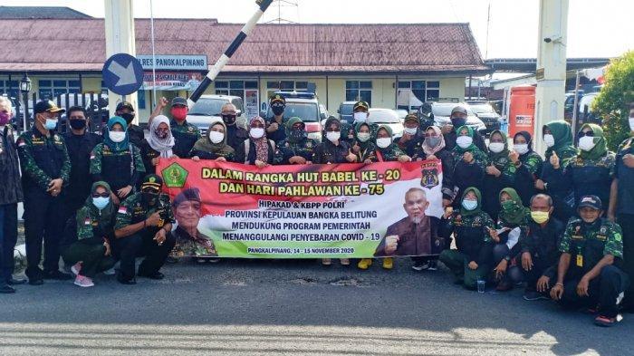 Dukung TNI/Polri, Hipakad dan KBPP Polri Babel Gelar Aksi Sosial Bagi-Bagi Masker Gratis