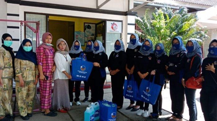 Garnita Malahayati Bangka Belitung Berikan Apresiasi untuk Bidan,Serahkan Bantuan APD