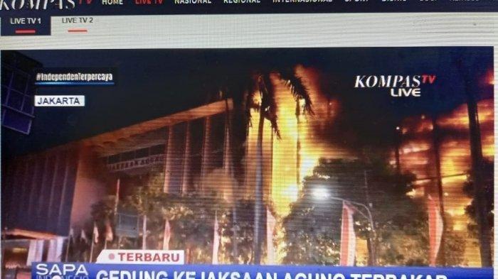 Gedung Kejaksaan Agung RI Terbakar, Api Berkobar Sampai Lantai Empat