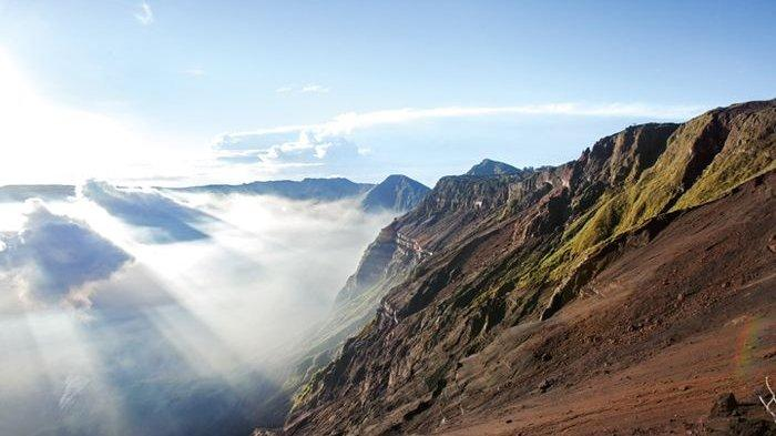 BINCANG Redaksi Gelagar-gelagar Gunung Api Terdahsyat di Nusantara