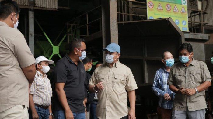 Gubernur Bangka Belitung Bantu Peternak Sapi di Kelapa Kampit Dapatkan Bungkil Sawit