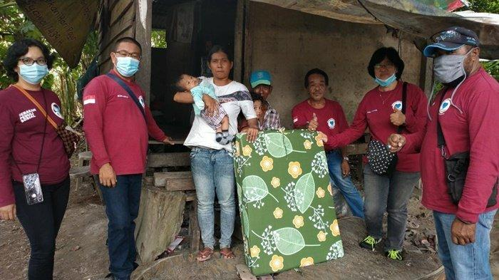 GPS Bangka Belitung Bagikan 60 Kasur Lipat Kepada Warga Kurang Mampu