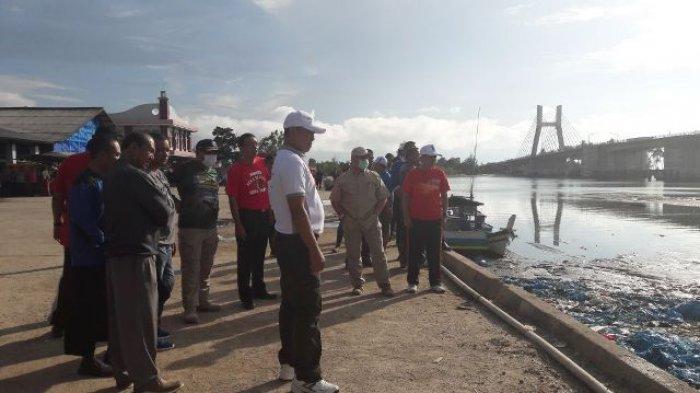 Gubernur Babel, Erzaldi Roesman Kaget Sampah di PPI Muara Sungai Batu Rusa Menumpuk