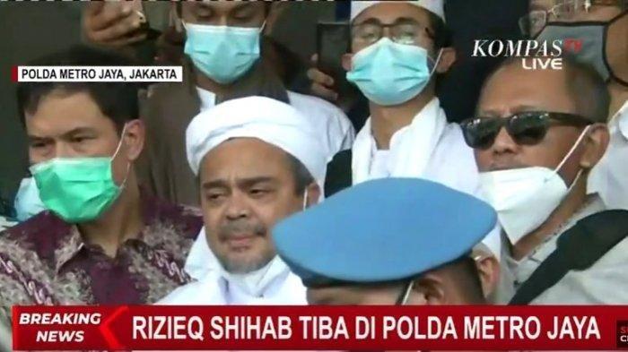 Imam Besar Front Pembela Islam (FPI, Habib Rizieq Shihab tiba di Polda Metro Jaya, Sabtu (12/12/2020) pukul 10.25 WIB.